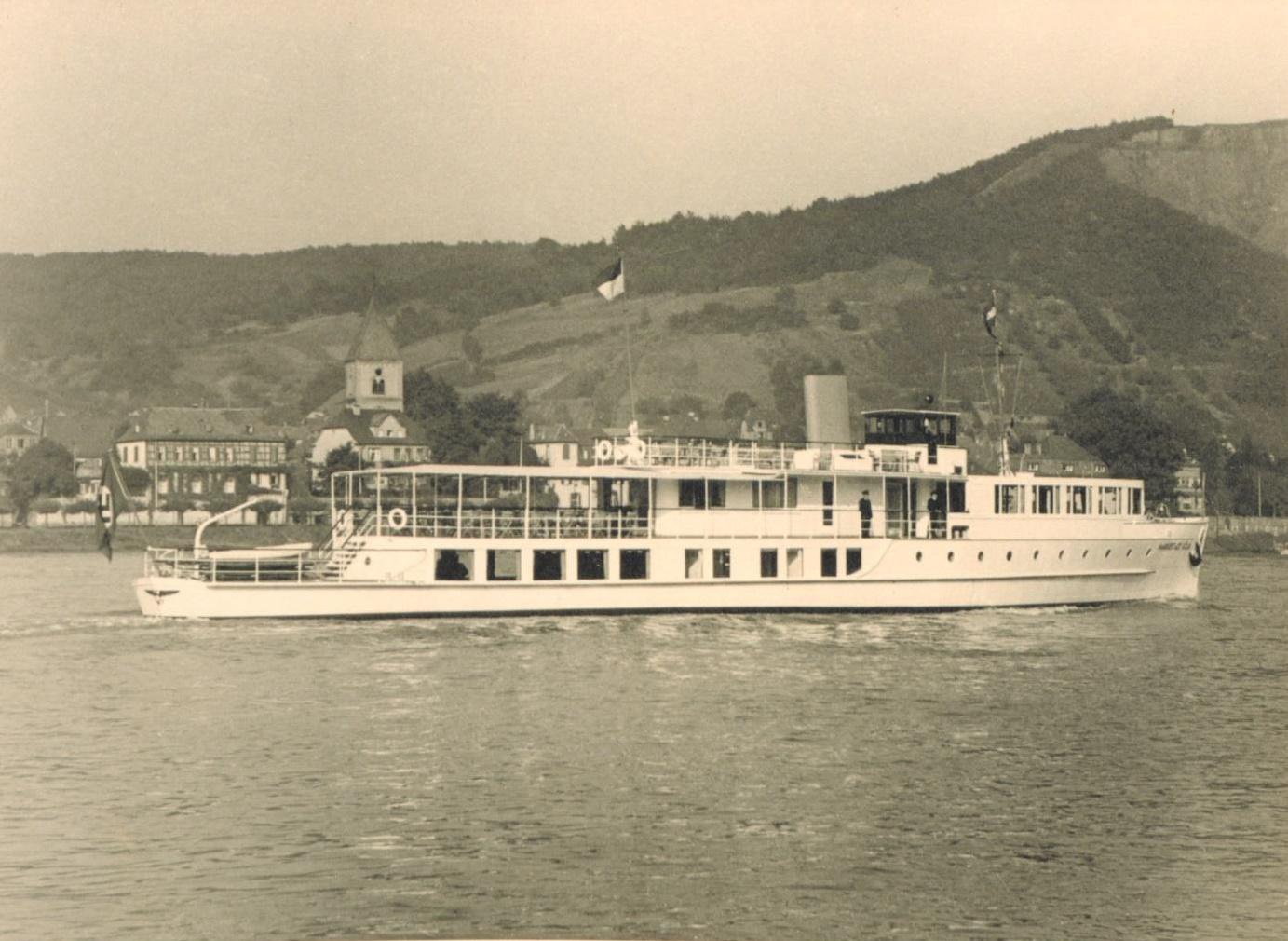 Das Rheinschiff Hansestadt Köln nach Fertigstellung 1938