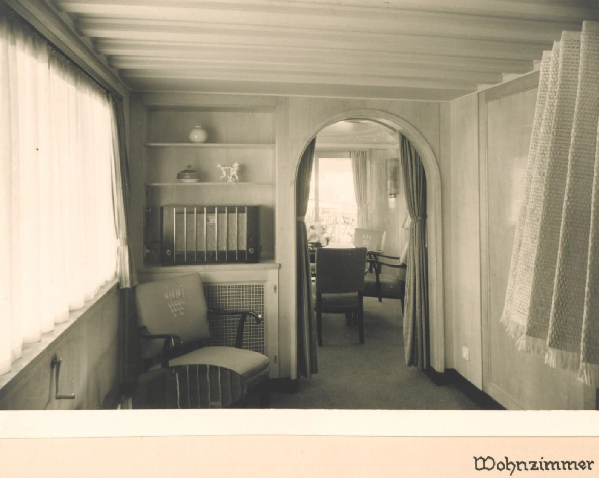 Das Rheinschiff Hansestadt Köln 1938 - Innenaufnahme Wohnzimmer